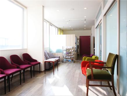 受付・待合室 / Waiting room